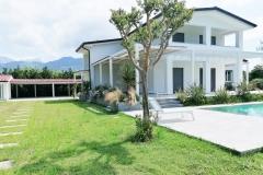 Villa-Forte-dei-Marmi-con-piscina-per-w